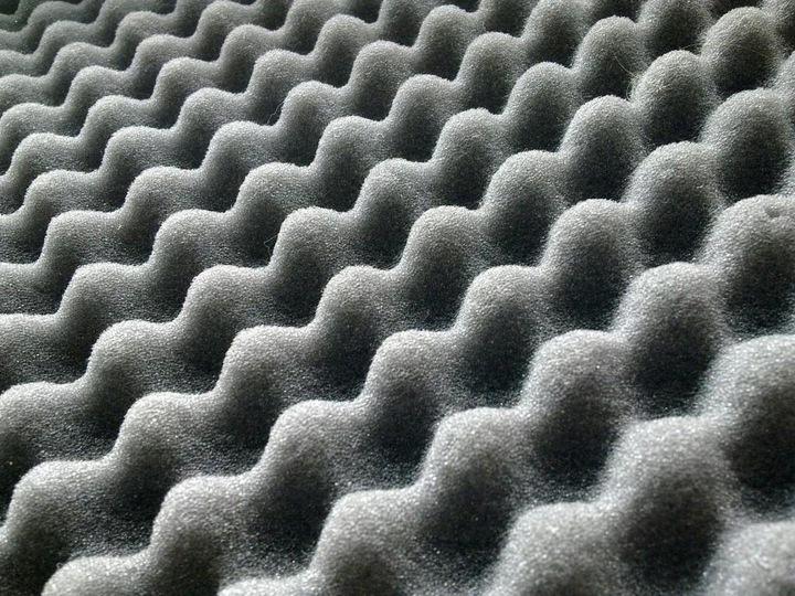 Akustická polyuretánová pena 200x100cm 40mm vlnená