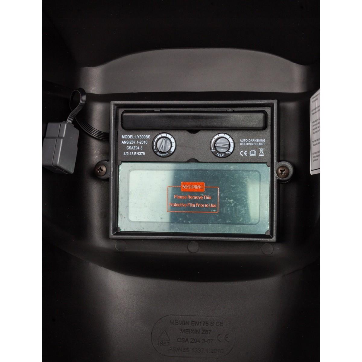 Prilba na zváranie so stmievaním + 2 filtre + 2 batérie AAA zadarmo megamix.sk