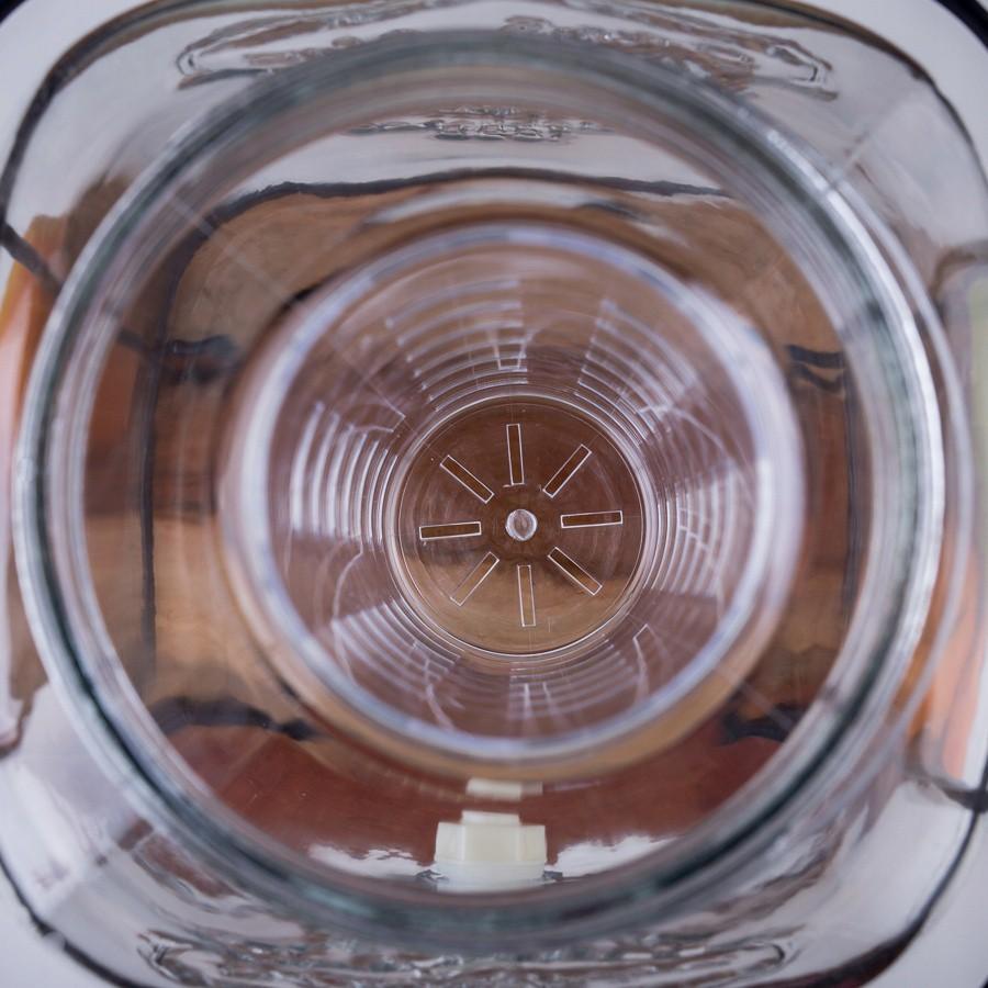 sklenená nádoba s kohútikom na vodu 4l s kľučkou megamix.sk