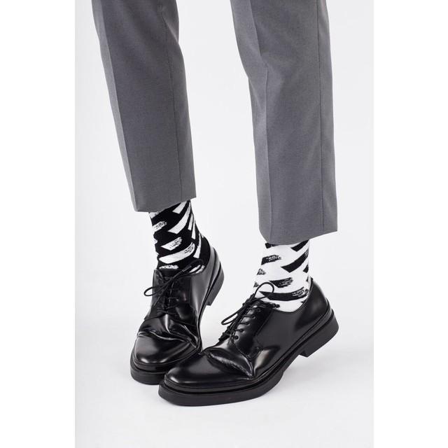 veselé ponožky BRUSH STROKES šmuhy čiernobiele 43-46 čiernobiele megamix.sk