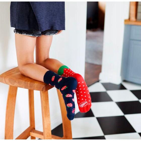 Veselé ponožky detské STRAWBERRIES jahody 27-30 farebné megamix.sk